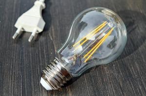 light-bulb-1640438_640